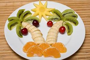 красиво нарезать фрукты - пальмы