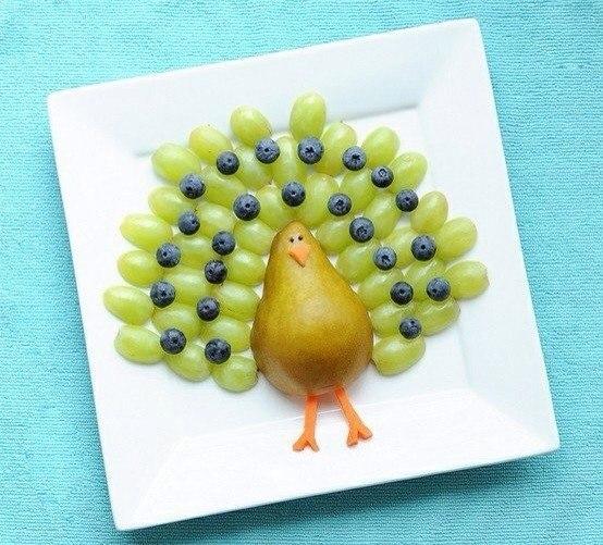 нарезка фруктоа - павлин